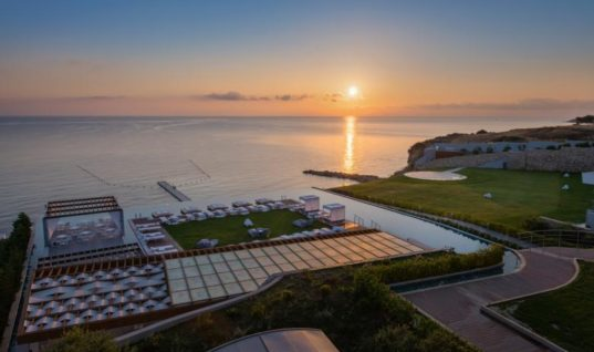 Ελληνικό ξενοδοχείο υποψήφιο για Leading New Resort του κόσμου (pics)
