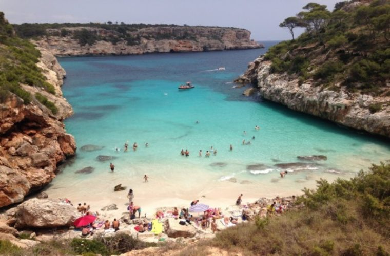 Ισπανικός τουρισμός: Ρεκόρ εσόδων άνω των 62 δισ. στο 8μηνο