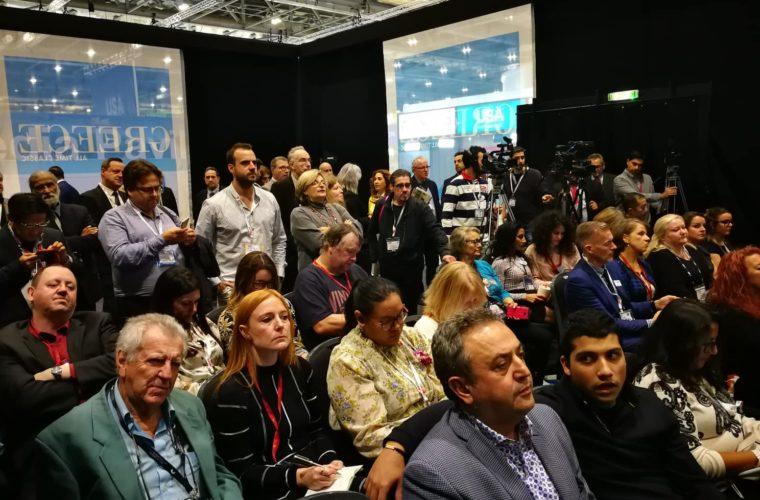 Η Victoria Hislop διαφημίζει εγκάρδια την Ελλάδα στην WTM 2018 (Pics)