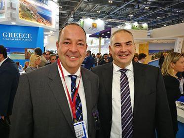 Ο εντεταλμένος σύμβουλος τουρισμού της Περιφέρειας Κρήτης Μιχάλης Βαμιεδάκης με τον εκπρόσωπο του Alltours