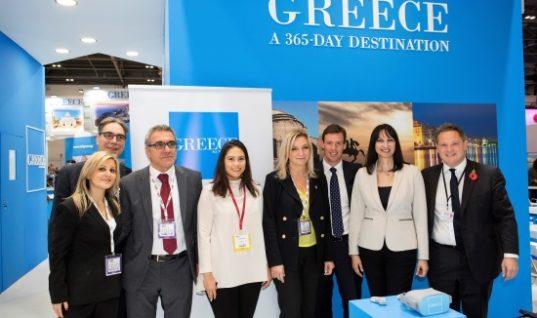 Η κ. Κουντουρά με τους εκπροσώπους του Ομίλου Thomas Cook , το Γ.Γ. του ΕΟΤ Κ. Τσέγα, την Αντιπρόεδρο του ΕΟΤ κυρία Χονδροματίδου, τον Διευθυντή Έρευνας & Αγοράς του ΕΟΤ κ.Π. Σαγάνα, και την Προισταμένη ΕΟΤ Μ. Βρετανίας & Έμυ Αναγνωστοπούλου