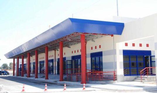 """Αγώνας δρόμου για το """"καμένο"""" αεροδρόμιο Αράξου"""