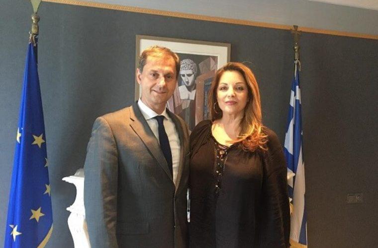 Συνάντηση υπουργού Τουρισμού Χάρη Θεοχάρη με τη νέα πρόεδρο του ΕΟΤ Άντζελα Γκερέκου