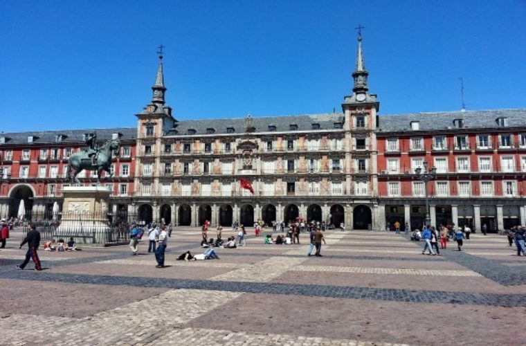 Η Μαδρίτη βάζει τέλος στην ανεξέλεγκτη τουριστική μίσθωση σπιτιών