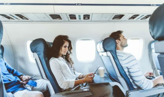 5 κανόνες συμπεριφοράς στο αεροπλάνο που ίσως παραβιάζετε!
