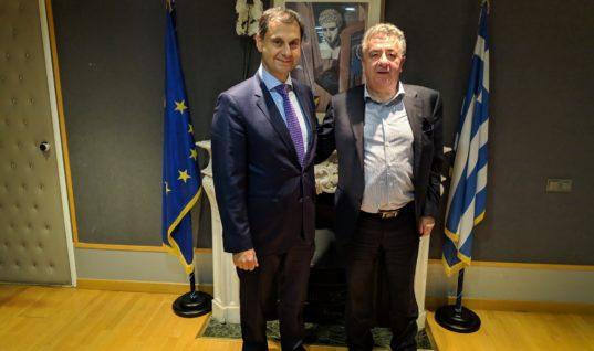 Συνάντηση υπουργού Τουρισμού Χ. Θεοχάρη με τον Περιφερειάρχη κρήτης κ. Στ. Αρναουτάκη