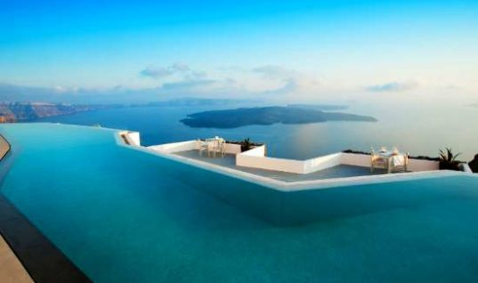 Booking.com: Η Ελλάδα στους 10 προορισμούς στον κόσμο με τα πιο φιλόξενα καταλύματα | Τι επιλέγουν οι τουρίστες