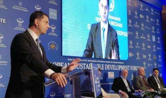 Ομιλία του Υπουργού Τουρισμού Χάρη Θεοχάρη στο Ευρωπαϊκό Forum Ανάπτυξης στη Λάρισα