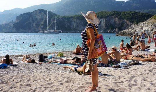 Φτηνότερη κατά 21% η Κέρκυρα για τους Βρετανούς τουρίστες το 2020