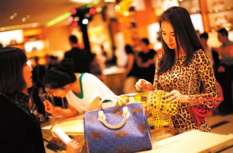 Κίνα: Ο κορωνοϊός πλήττει τουρισμό, μεταφορές, εφοδιασμό και λιανικό εμπόριο