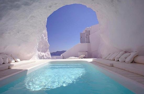 T+L: Ελληνικά ξενοδοχεία και νησιά στην κορυφή των παγκόσμιων βραβείων World's Best 2020 – Δείτε τα