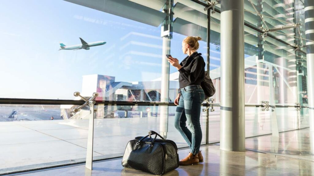 Independent:… 5 ερωτήσεις αναζητούν απαντήσεις! Τι θα ισχύει για ταξιδιώτες σε πλοία και αεροπλάνα