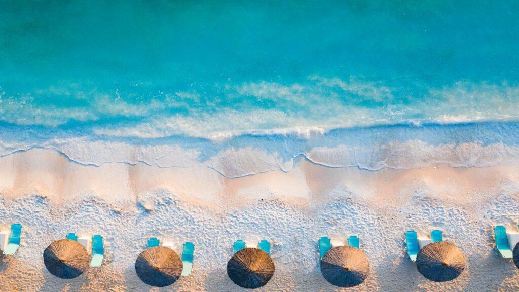 10 ελληνικές παραλίες που θυμίζουν μακρινά και εξωτικά νησιά!