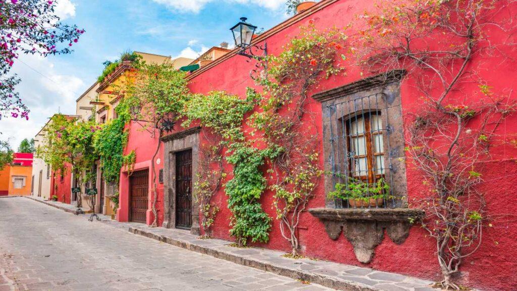 Οι 10 καλύτερες πόλεις του κόσμου για το 2021 από το Conde Nast Traveler